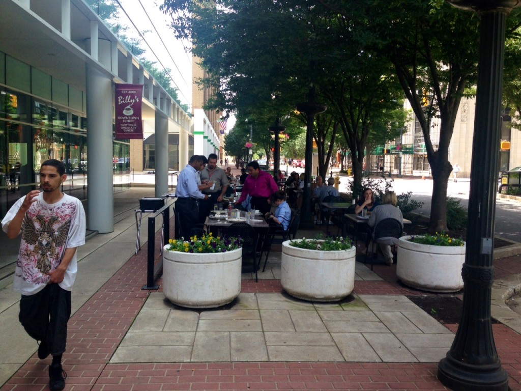 On my walk from 4th street to Billy's I passed 3 restaurants with packed fill with al fresco dining.